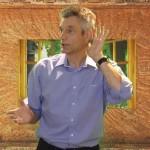 Foto aus Video Rainer Teichmann spitzt die Ohren