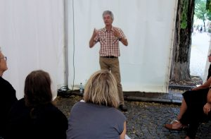 Rainer Teichmann Erzähler aus Wasserburg mit Lebenssterne beim Weinfest